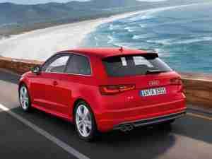Красная Audi A3 2013