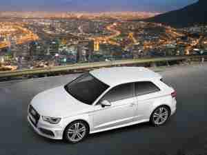 Белая Audi A3 2013 модельного года