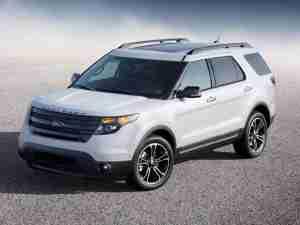 Белый Ford Explorer Sport 2013