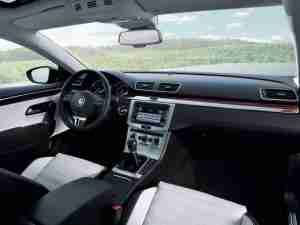 Интерьер Volkswagen CC 2013 года