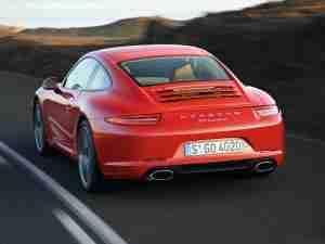 Porsche 911 Carrera 2013 года вид сзади