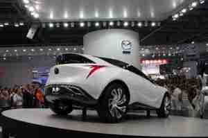 Концепт нового кроссовера Mazda Kazamai